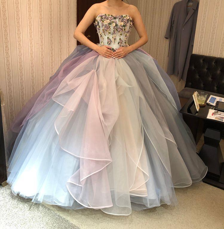 ボリューム満点のドレス