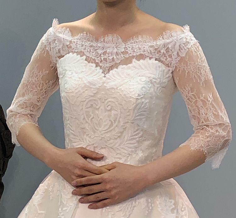 Aラインのウエディングドレス