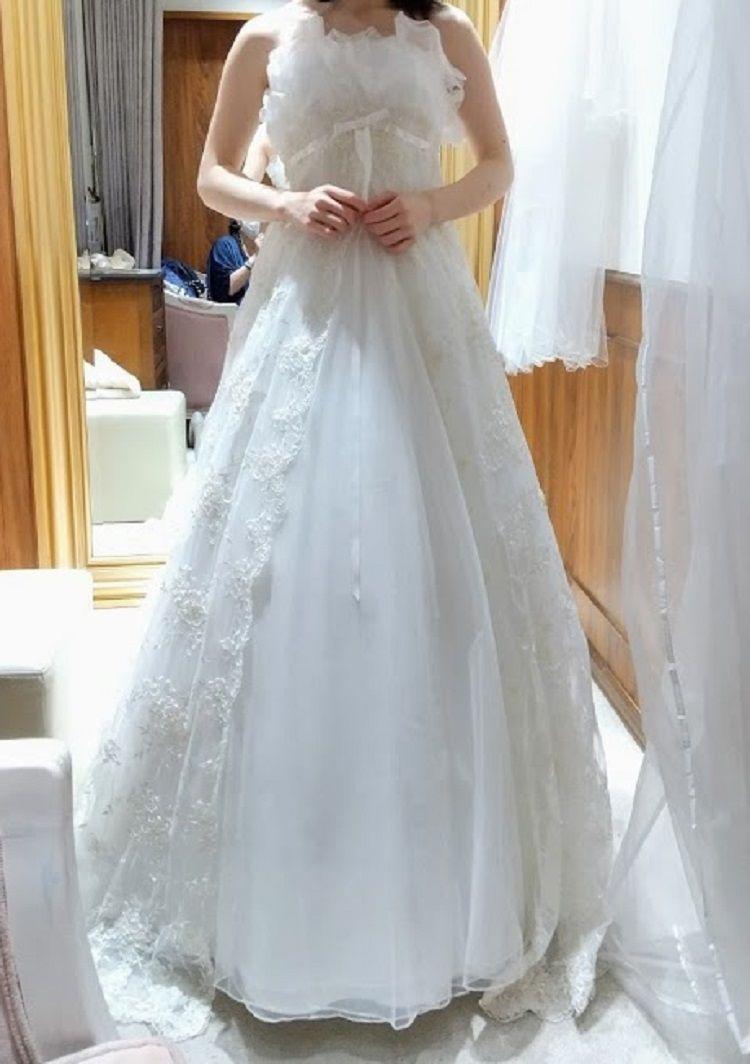 胸がふわふわのスレンダードレス