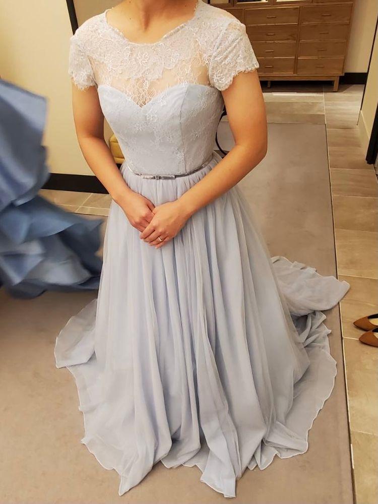 ナチュラル可愛い水色ドレス
