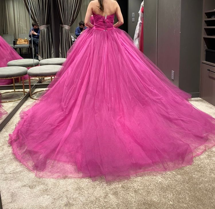絶妙カラーの人気ドレス