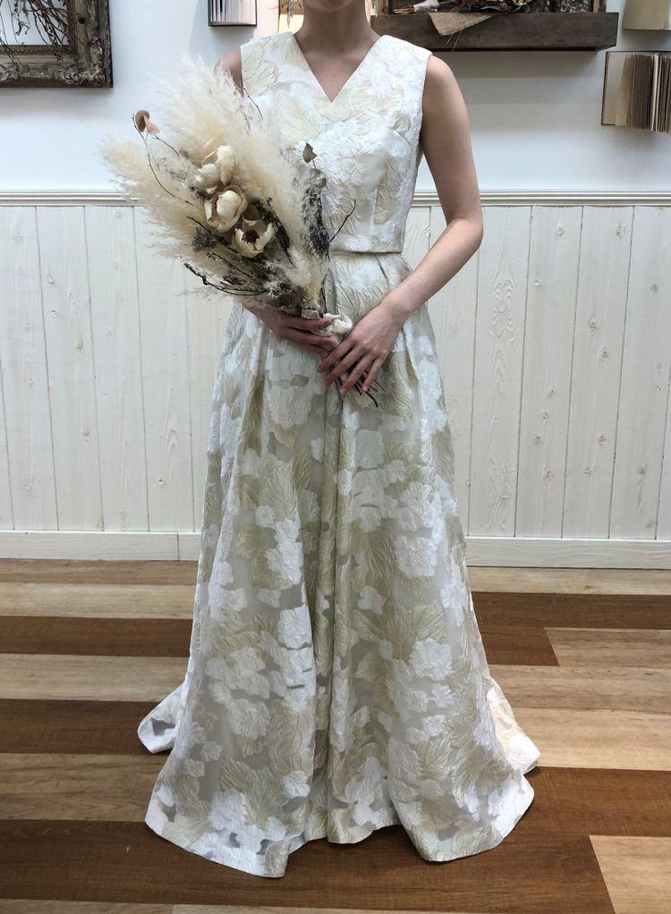 立体刺繍のセパレート型ドレス