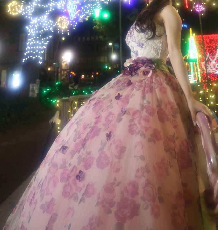 イメージにぴったりな花柄ドレス