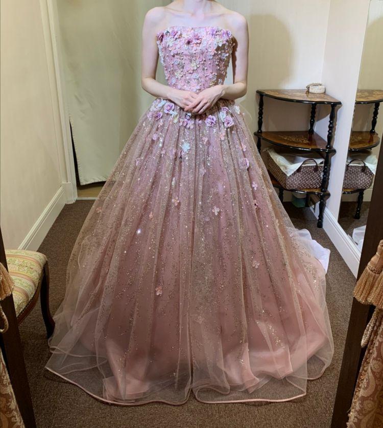 ピンクグリッタードレス