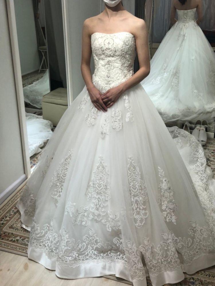刺繍ドレス