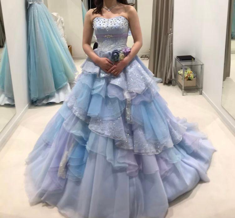 さわやかでキュートなブルーのドレス
