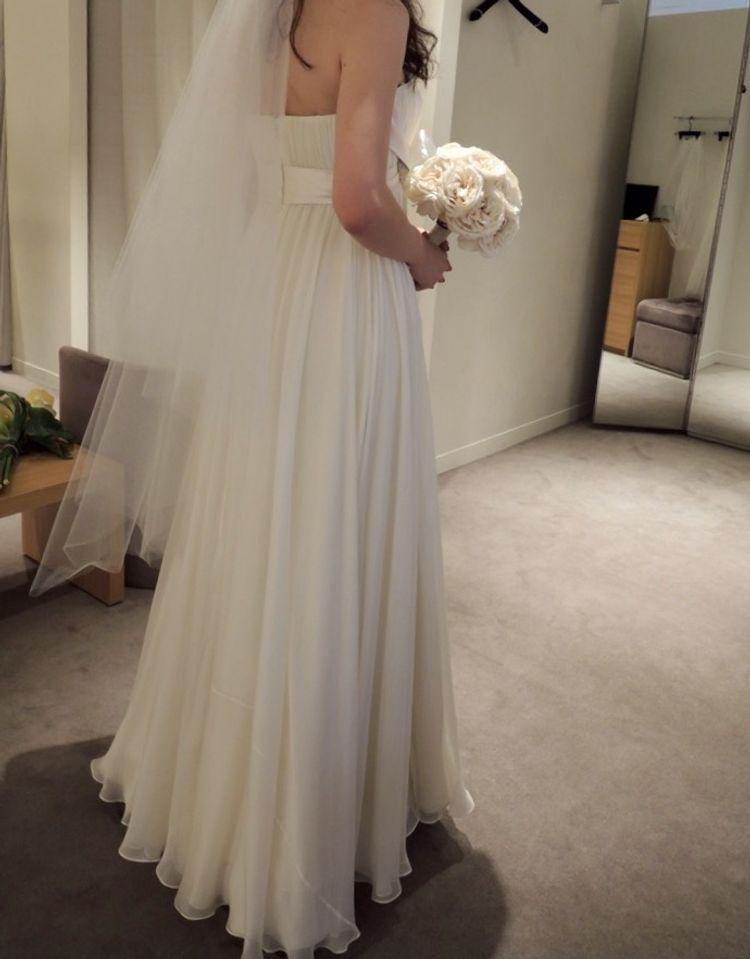 ビジューがポイントJenny Packhamのドレス