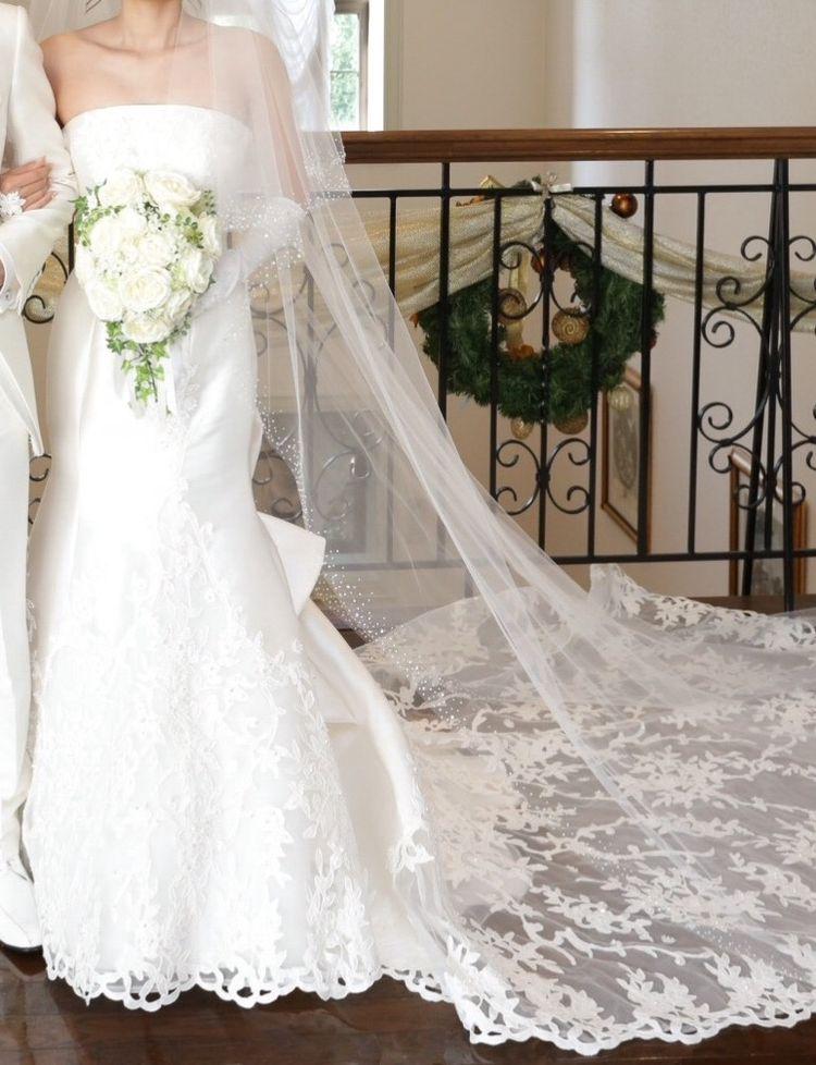 大人っぽいドレスならマーメイドドレスがオススメです。