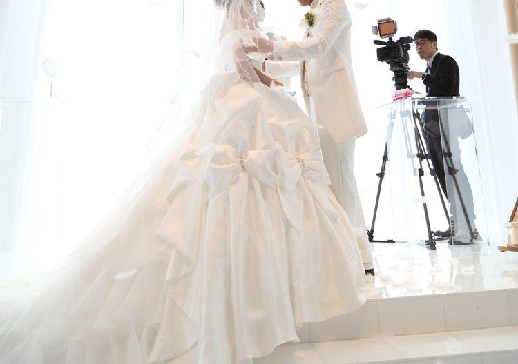 一生に一度の結婚式だからリボンブリブリのウエディングドレスで