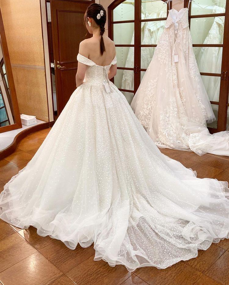 キヨコハタのキラキラドレス