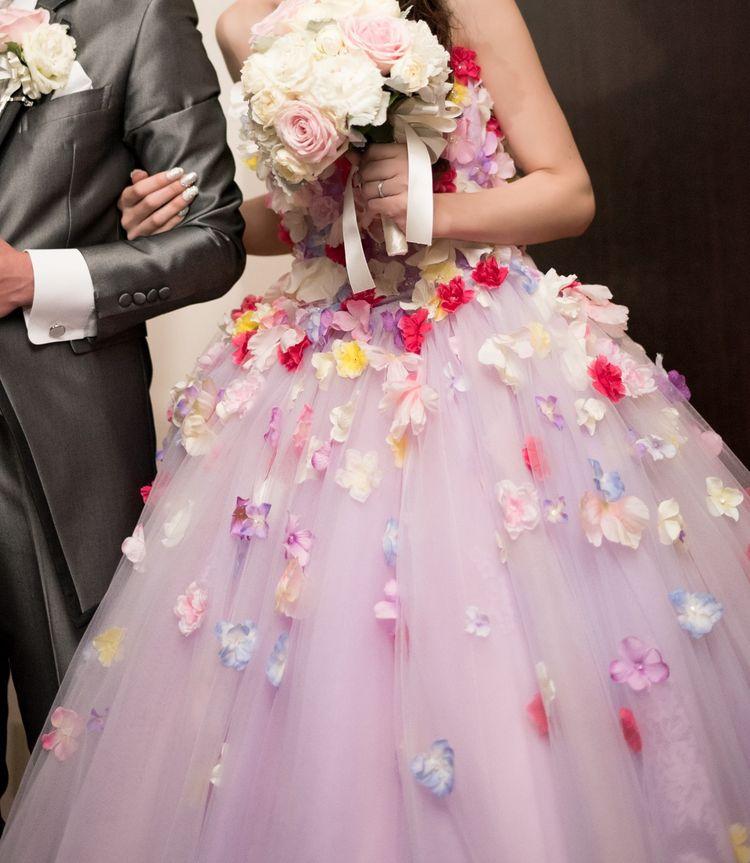 まるでお花畑のドレス