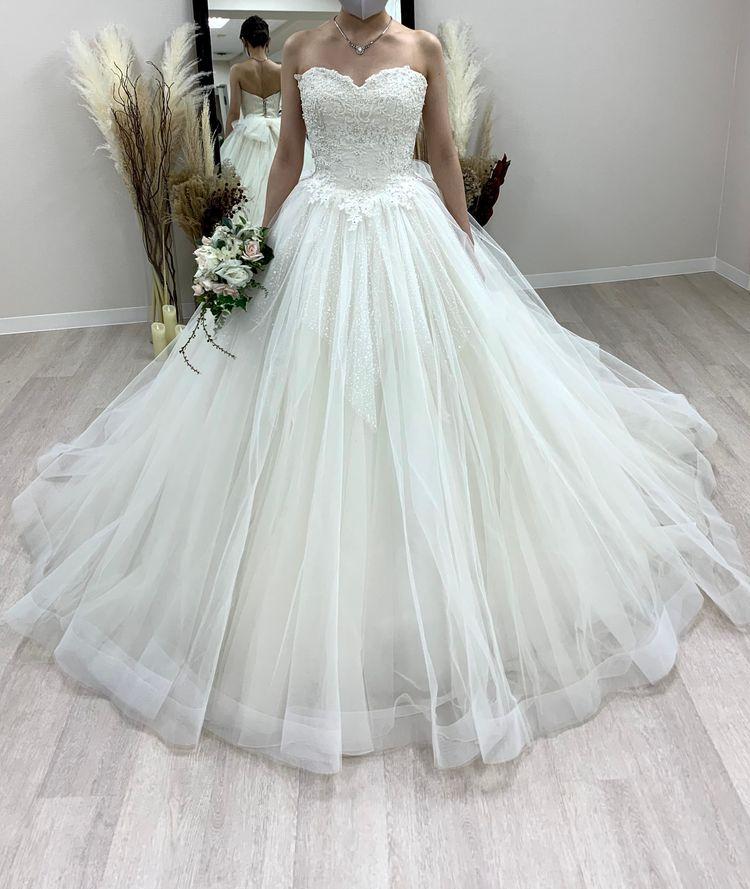 ボリューム感が可愛いプリンセスラインのドレス