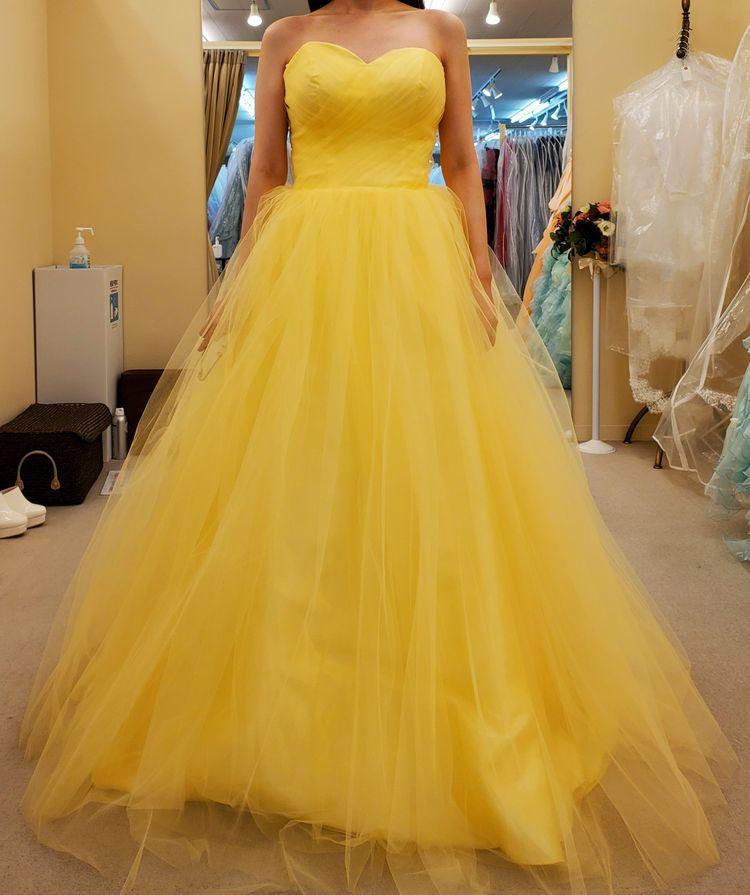 爽やかな色づかいのカラードレス