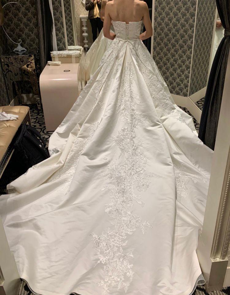 本格チャペルウェディングにぴったりなドレス