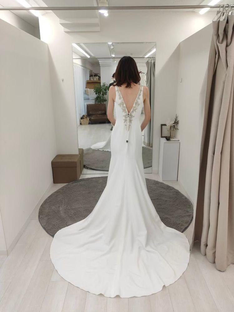 シンプルスタイルのドレス