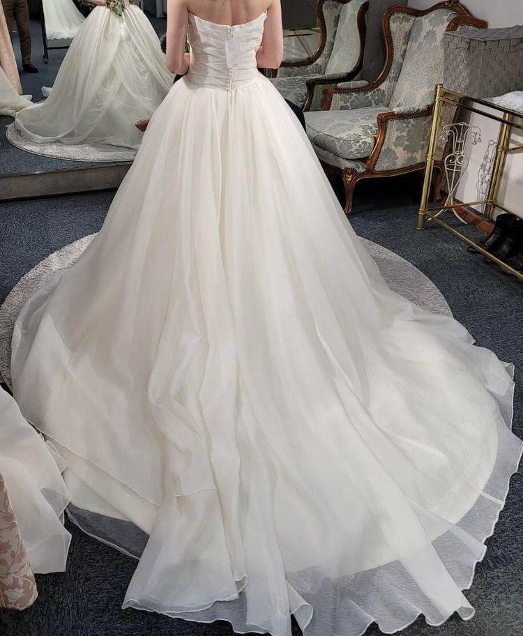 一度は着てみたいVera Wangウェディングドレス