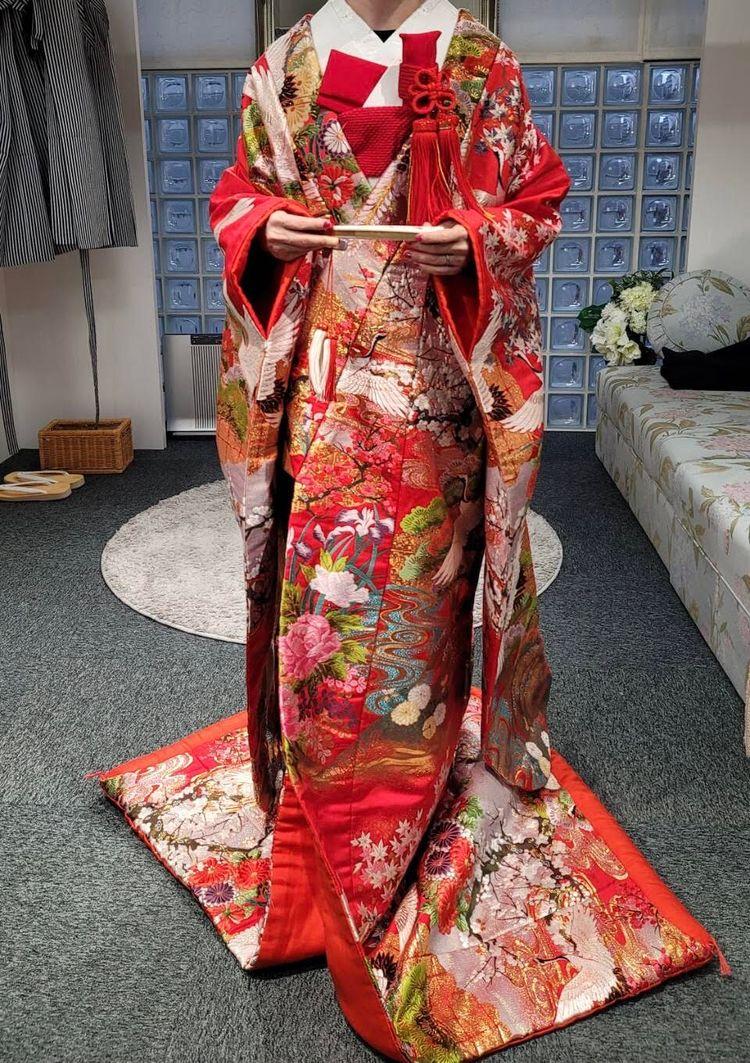 婚礼衣装王道・赤い色打掛