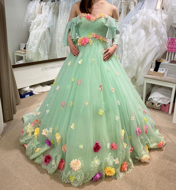 お花畑の中にいるようなドレス!