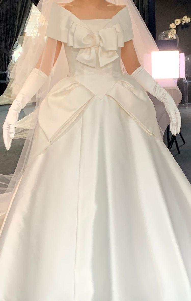 花嫁さんが一番美しくなるように設計されたエマリーエのドレス