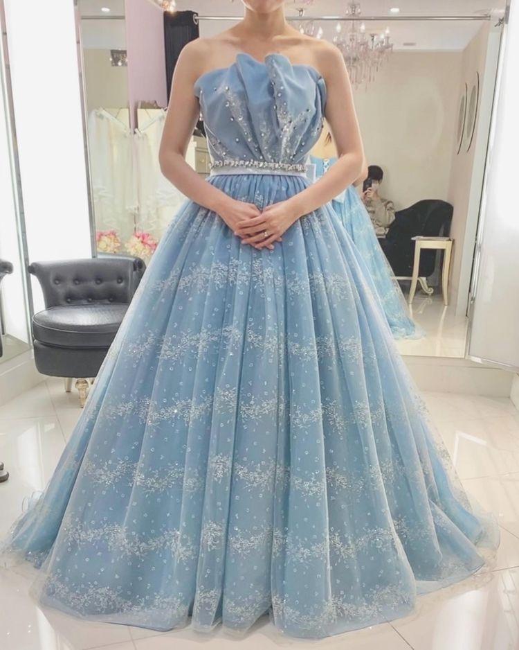 貝殻のようなドレス