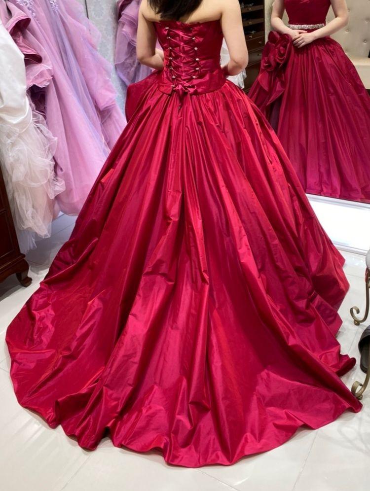 赤いバラのシンプルドレス