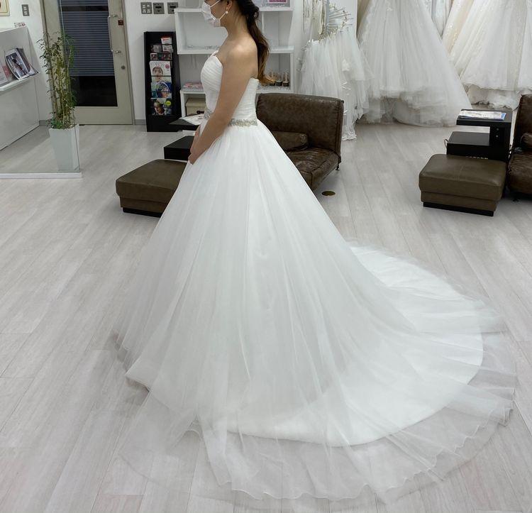 軽やかなウエディングドレス