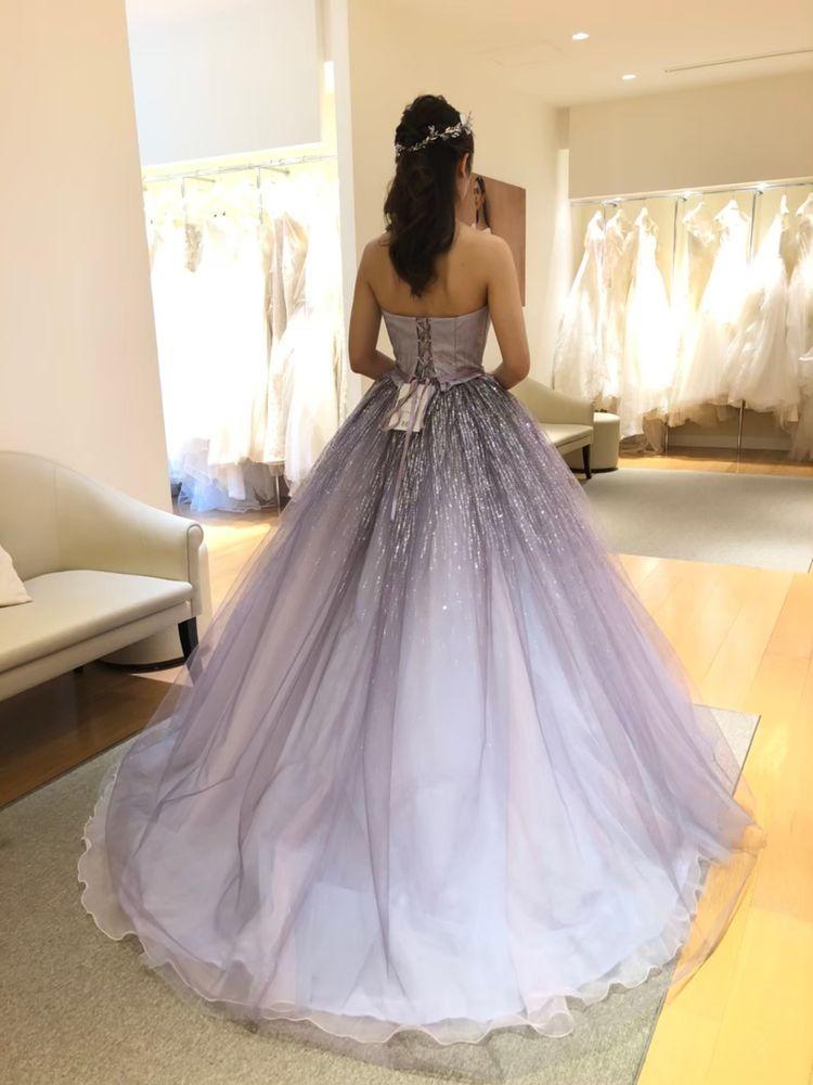 紫のプリンセス風ドレス