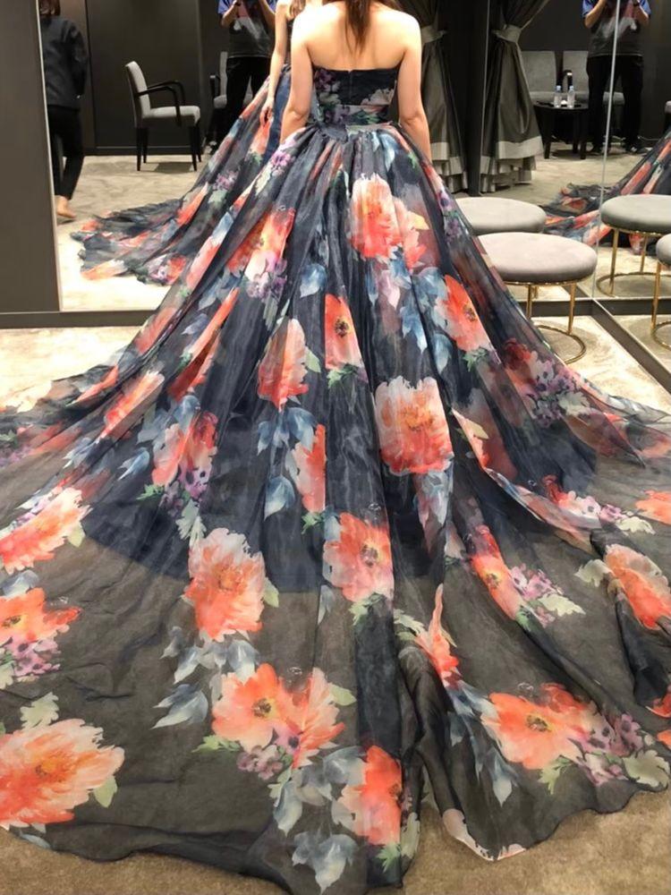 ゴージャスに相応しいドレス