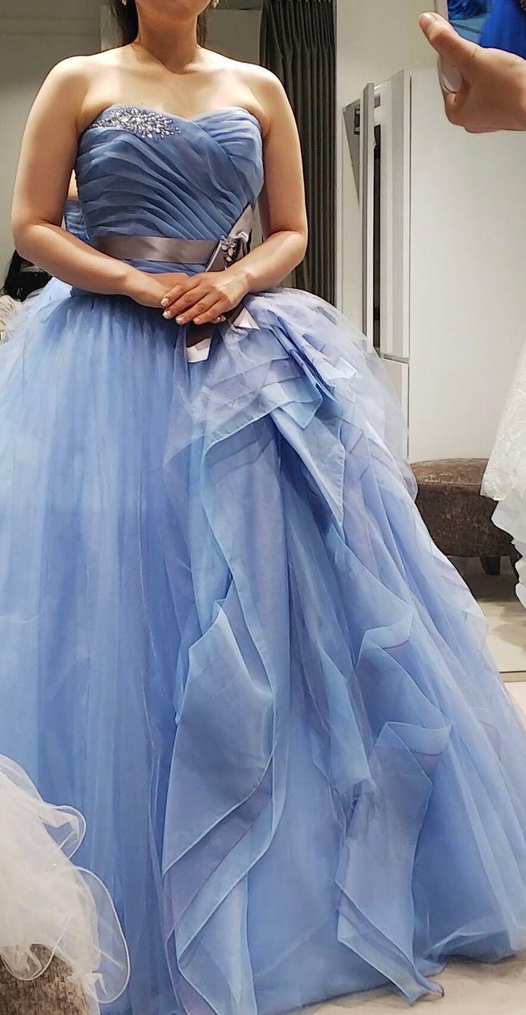 カラーグラデーションがお洒落なドレス
