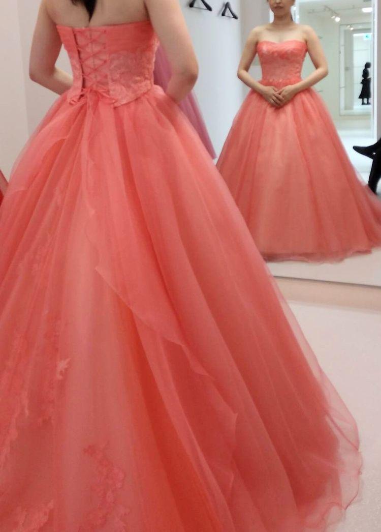 新作のピンクドレス