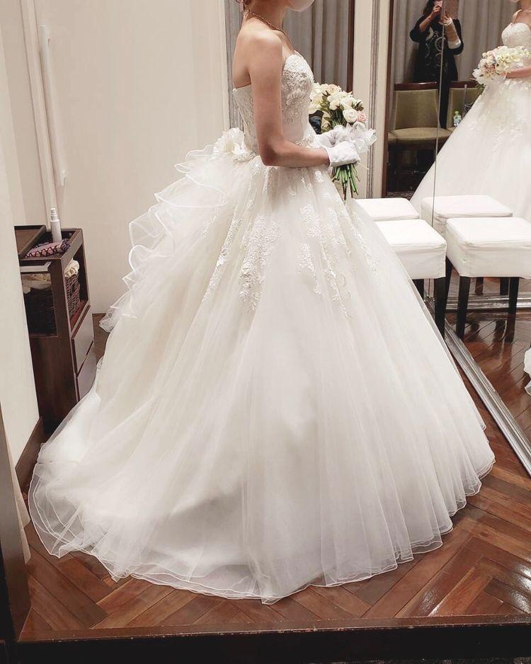 フワフワボリュームのあるドレス