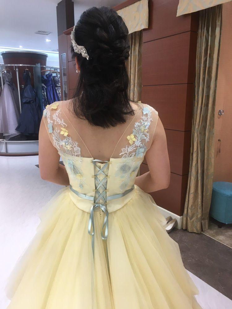 後ろのデザインが可愛いドレス