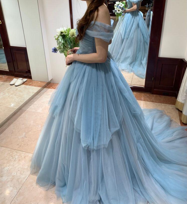 シンデレラのような落ち着いたドレス
