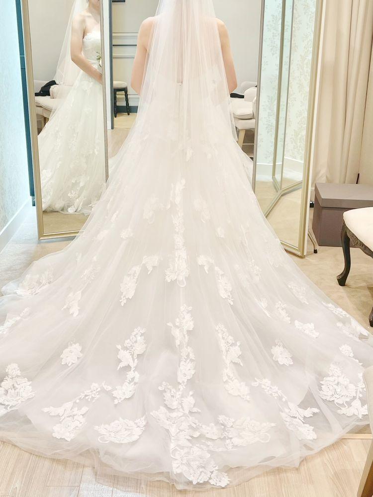 刺繍が魅力的なドレス