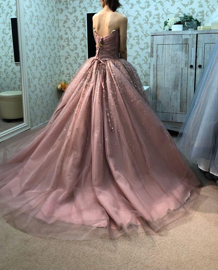 大人が着ても可愛いピンク