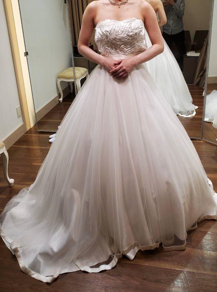 シンプルな王道ドレス