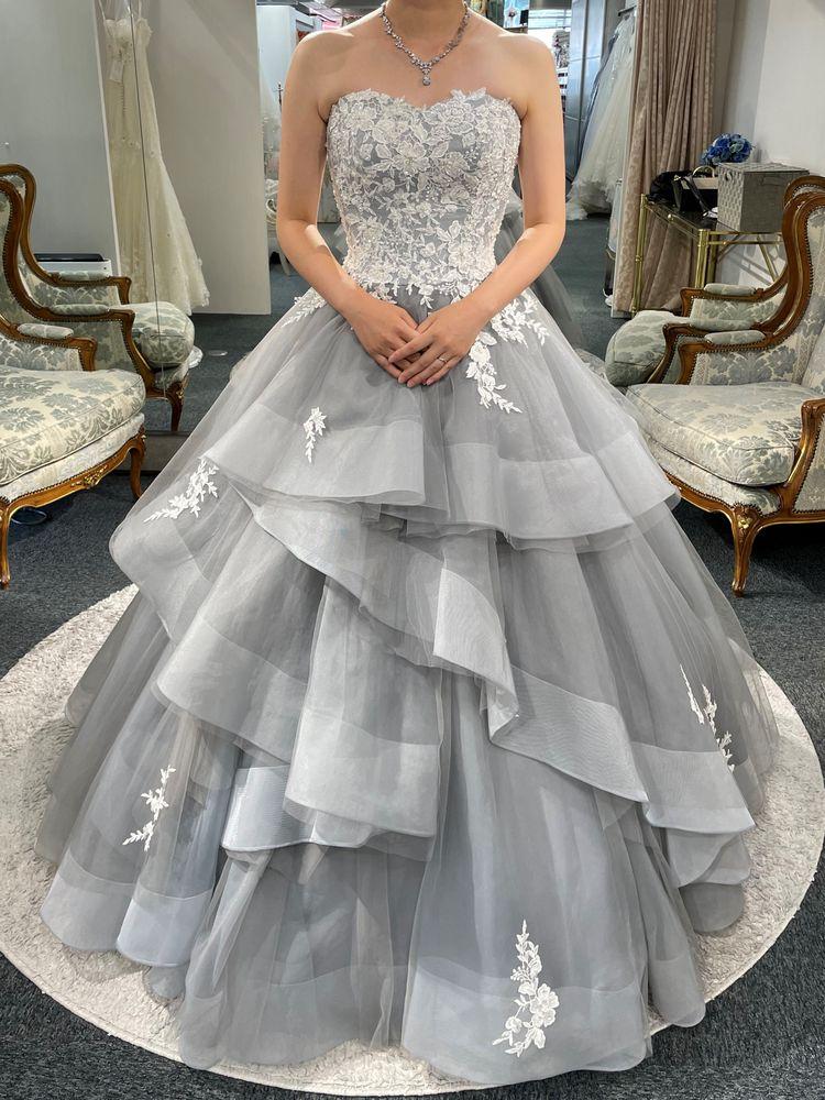 繊細なドレス