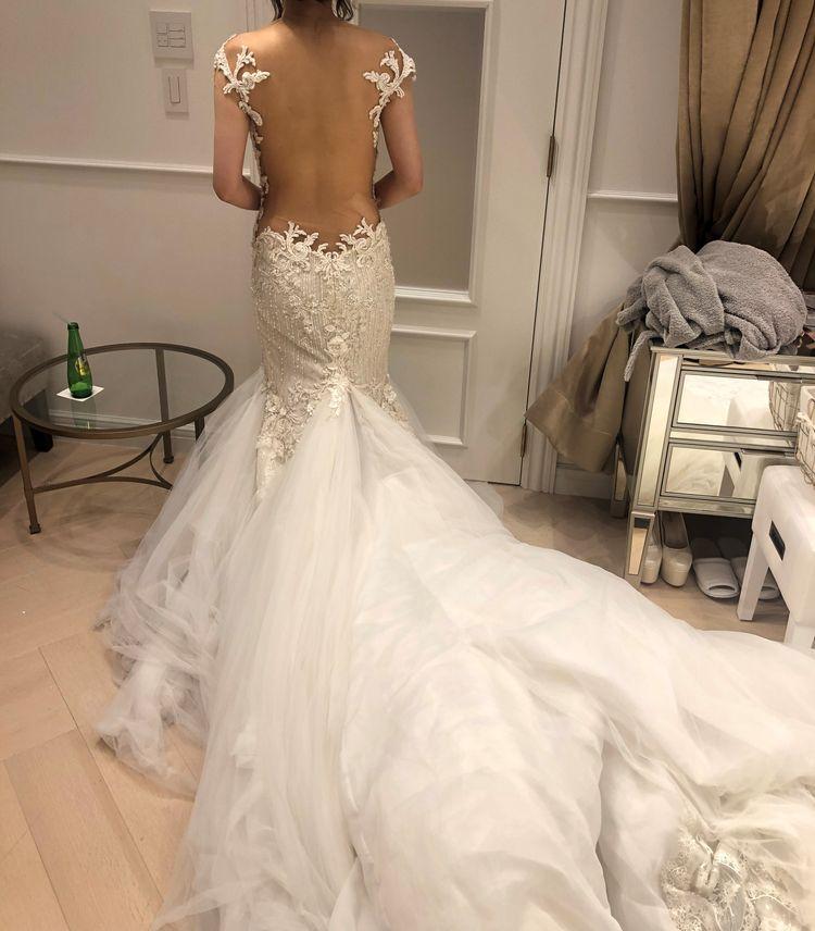 華やかなマーメイドウェディングドレス