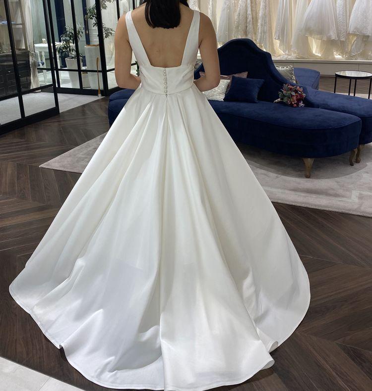 ピーターラングナーのドレス