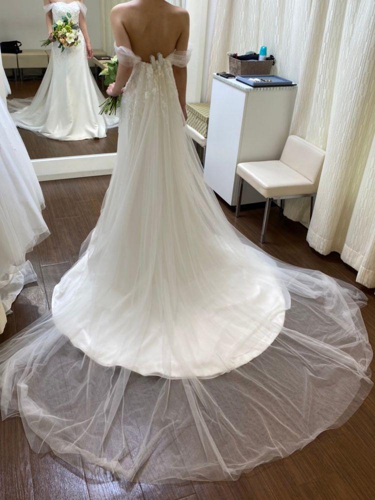 シンプルな大人っぽいドレス