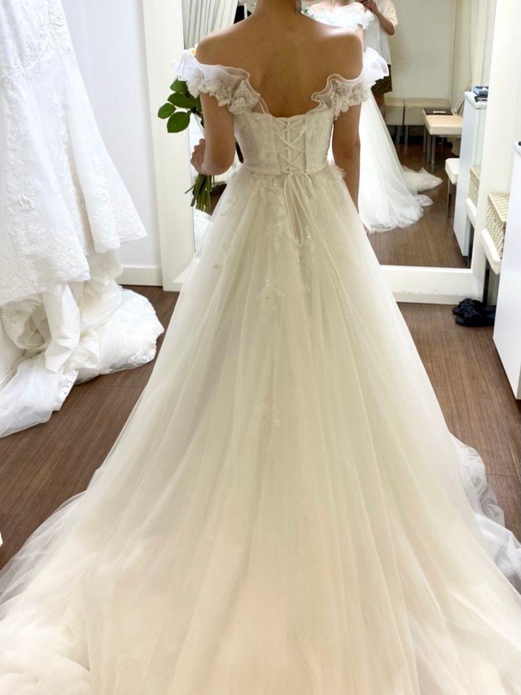 可愛らしいAラインのドレス