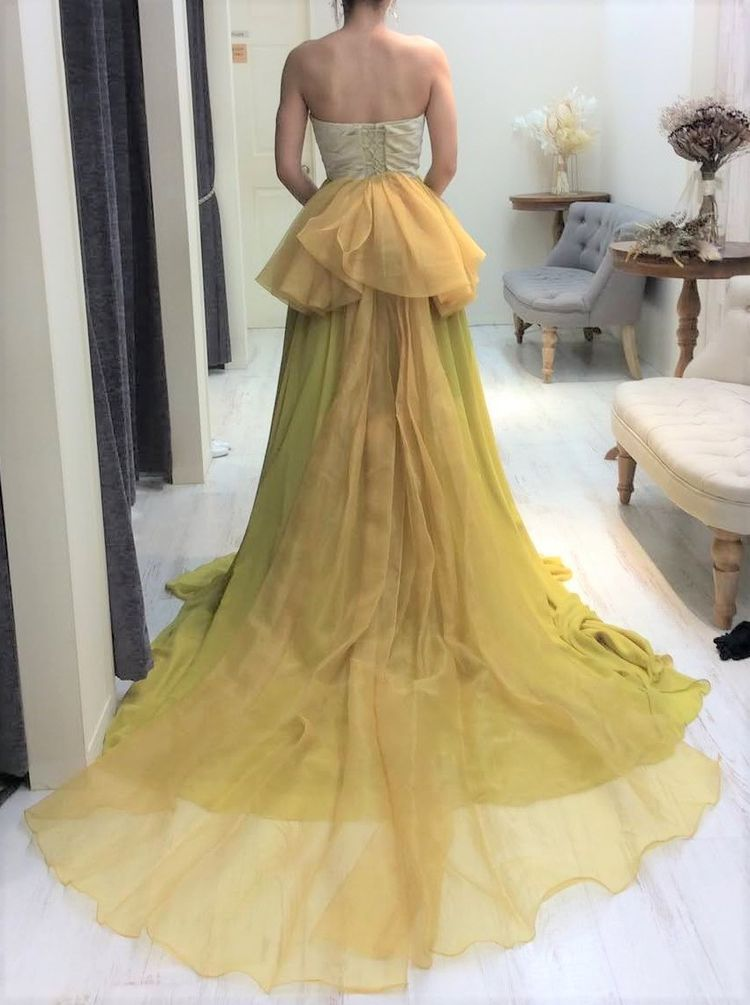 ピスタチオカラーが可愛いドレス