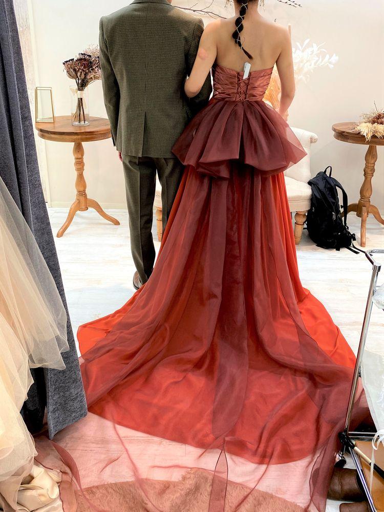 ワインレッドで大人めカラードレス