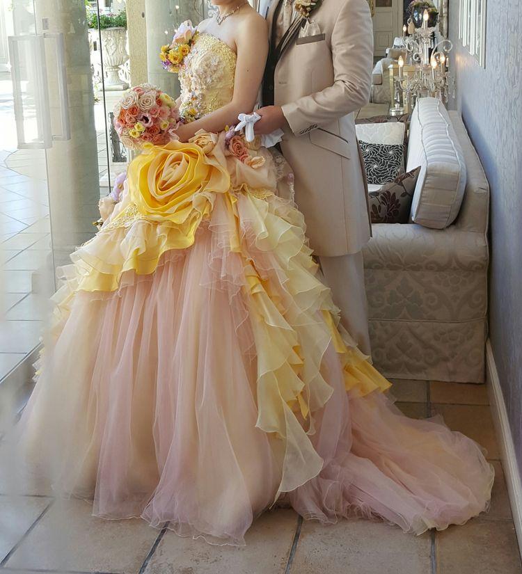 イエロー×ピンクの優しい色合いがとっても可愛いドレス♪