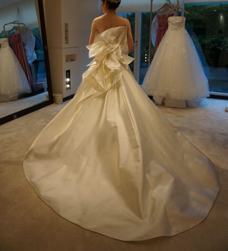 フォルムが美しいドレス