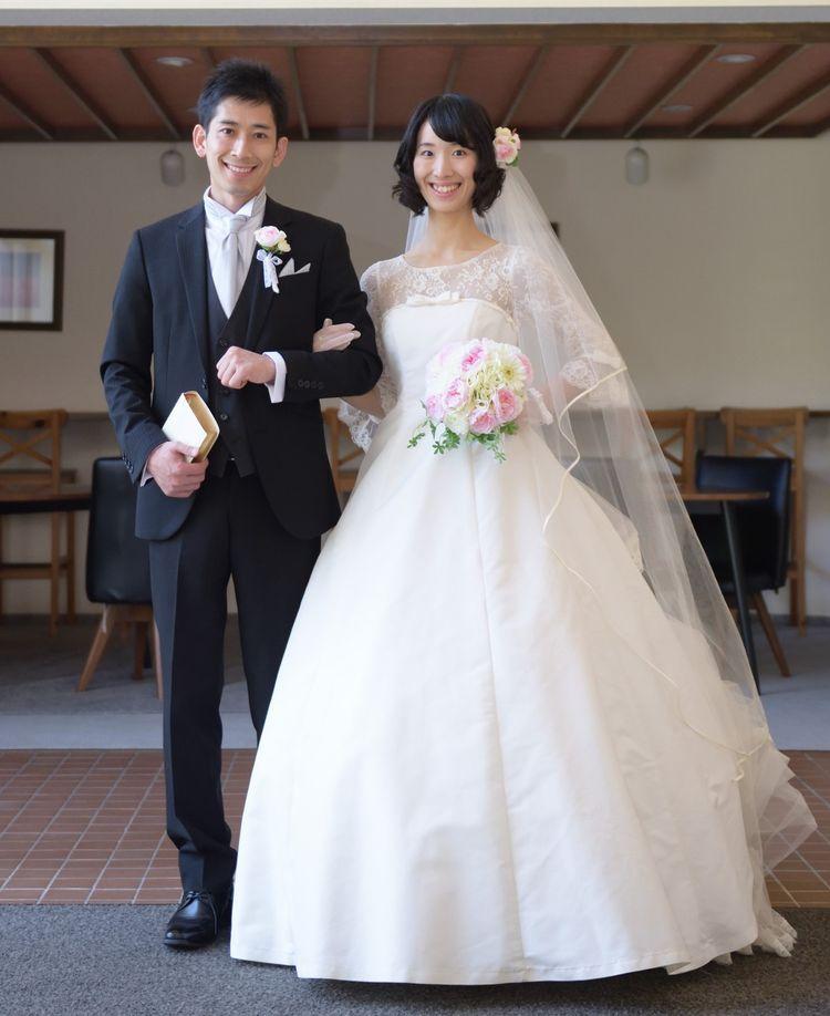 神様の前で誓う神聖な結婚式