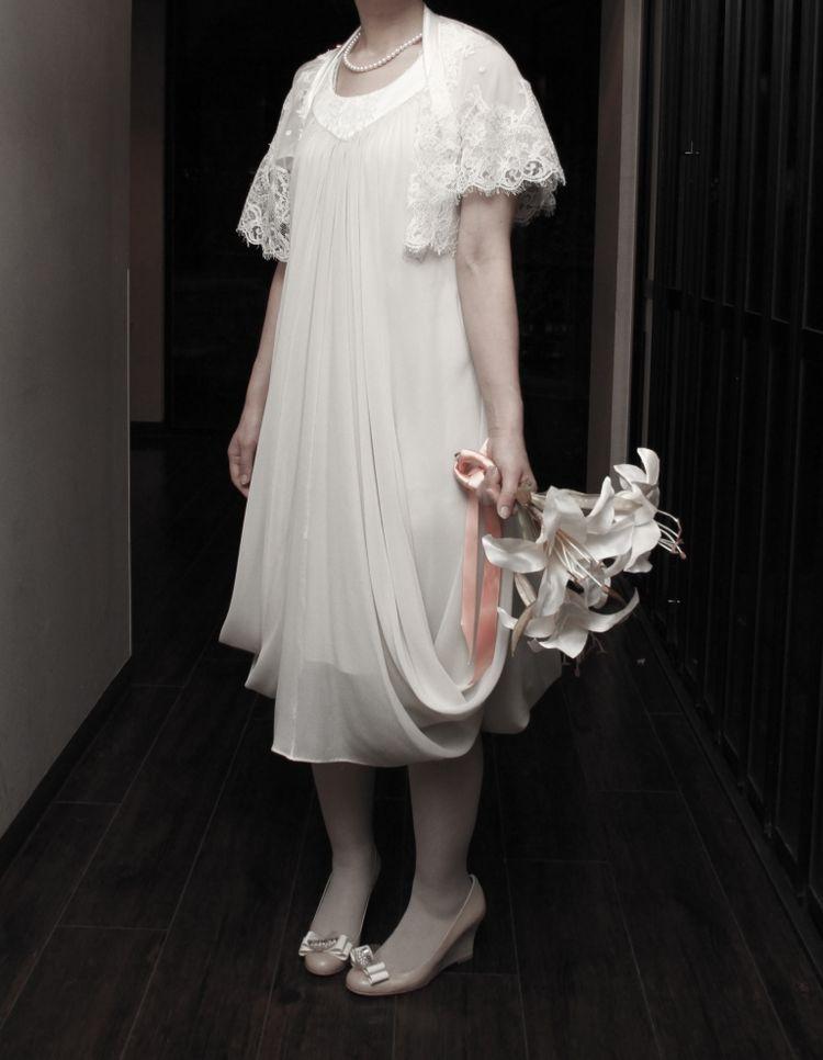ミディアム丈のウェディングドレス