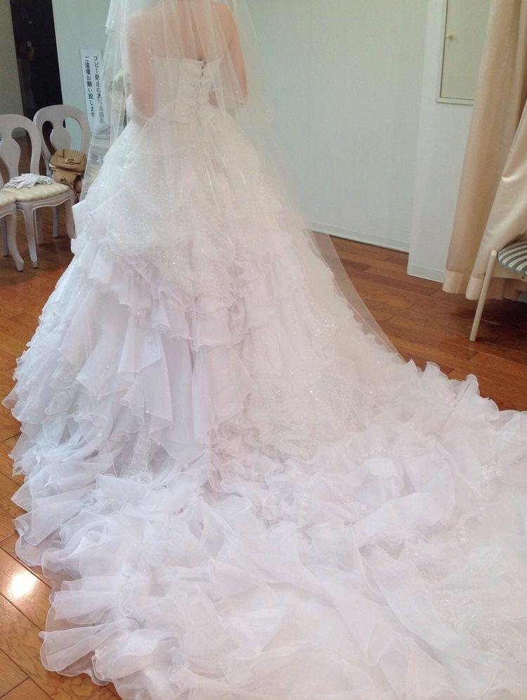 真っ白で素敵なドレス