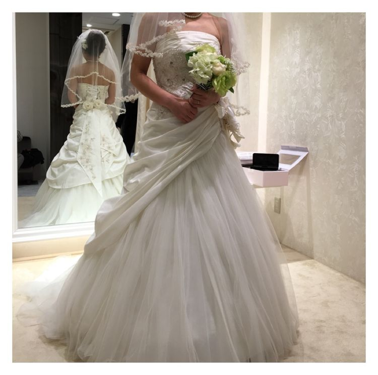 スタイルよくかわいらしいウェディングドレス
