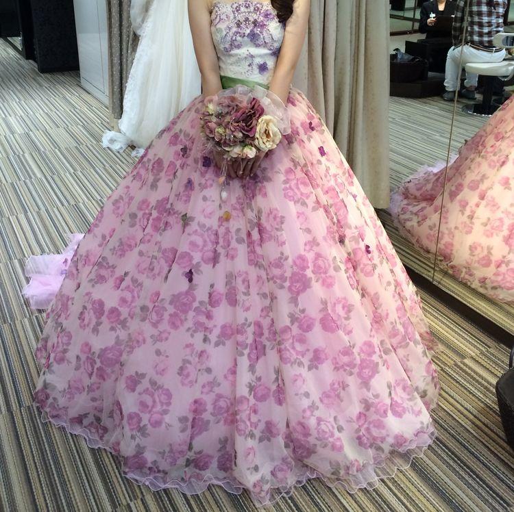 結婚式で着用したカラードレス